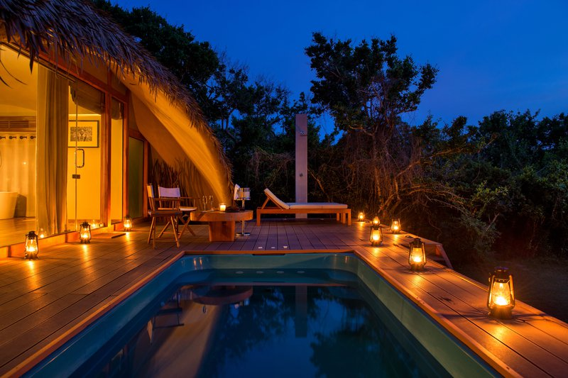 Cabin plunge pool at dusk.jpg